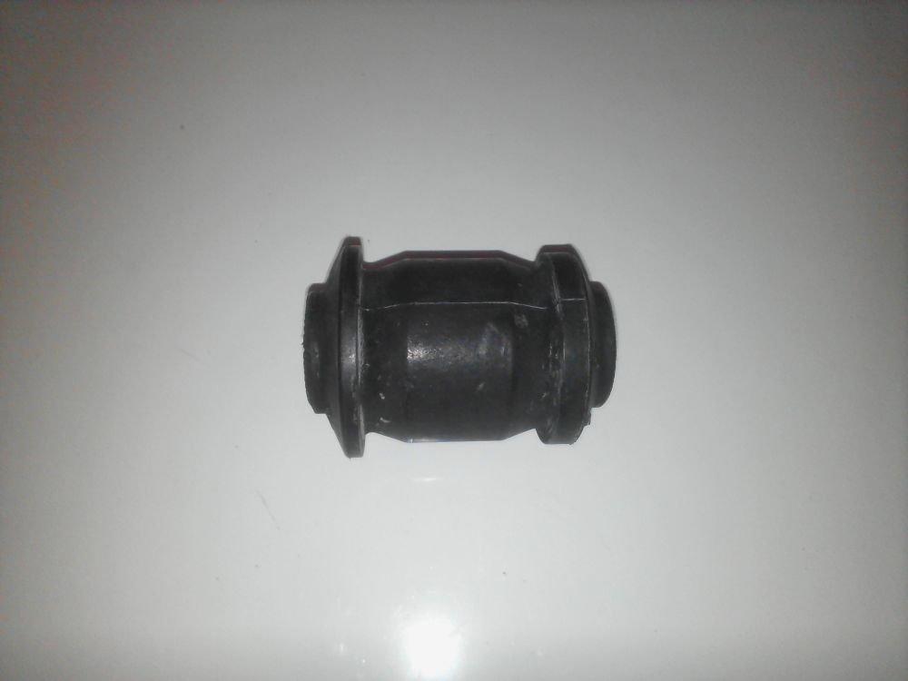 Сайлентблок переднего рычага передний 30003597